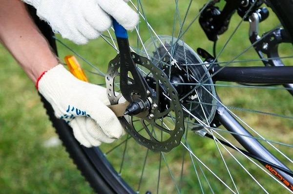 Регулировка втулки заднего колеса