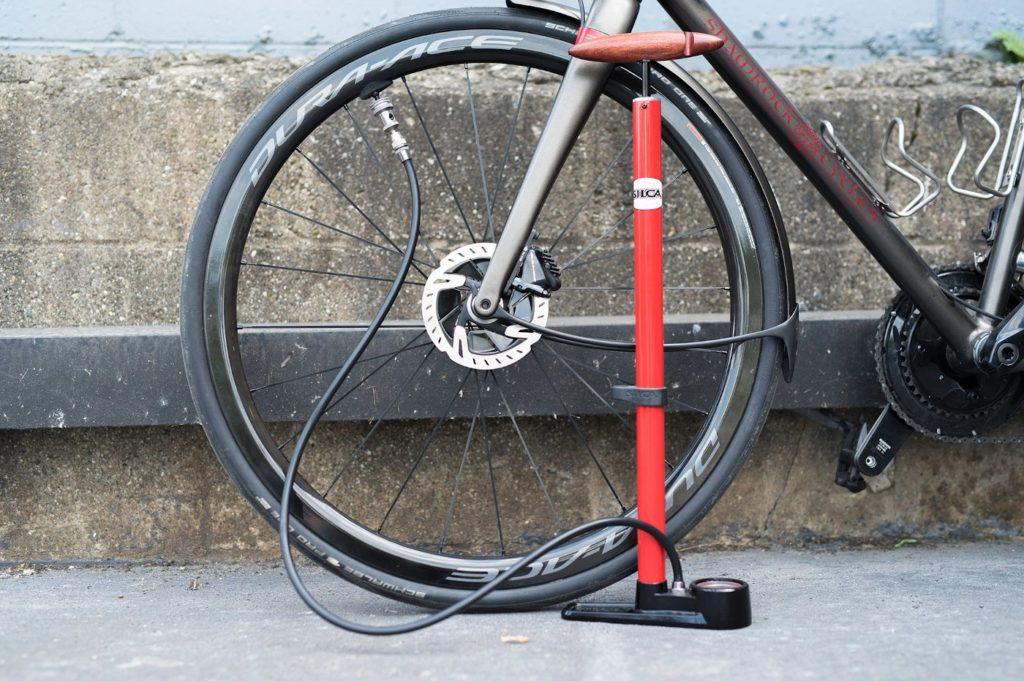 Самый удобный тип велонасосов