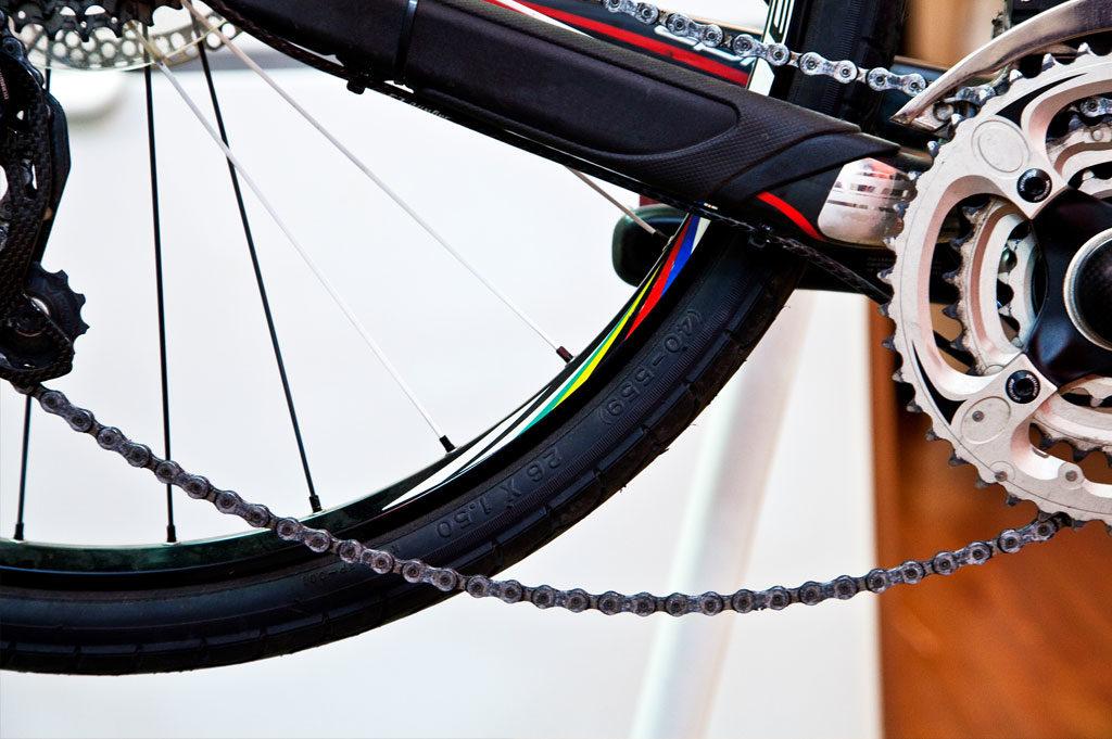 Провисшая цепь на велосипеде